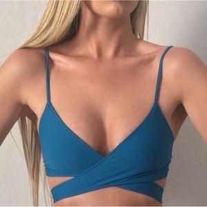 L*Space Chloe Wrap Bikini Top In Mediterranean | S